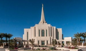 The Gilbert Arizona Temple, photo courtesy of lds.org